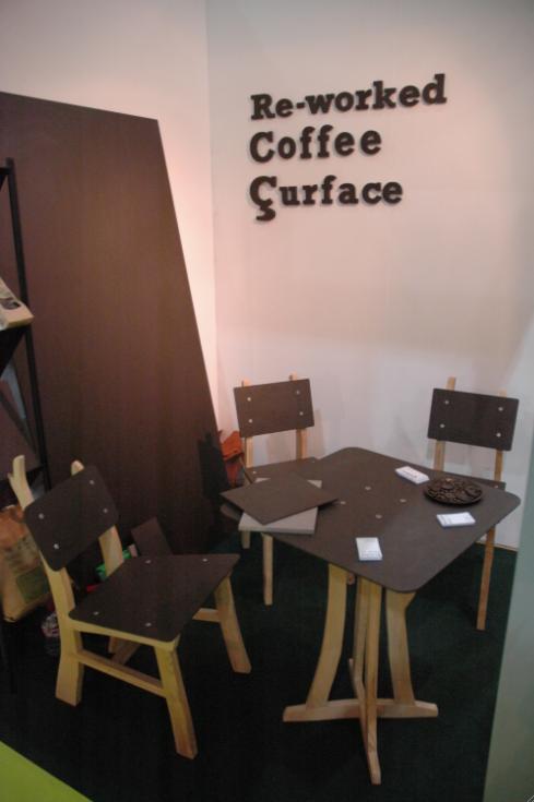 Produrre sedie e tavoli dalle cialde per caffè, ci pensano gli inglesi
